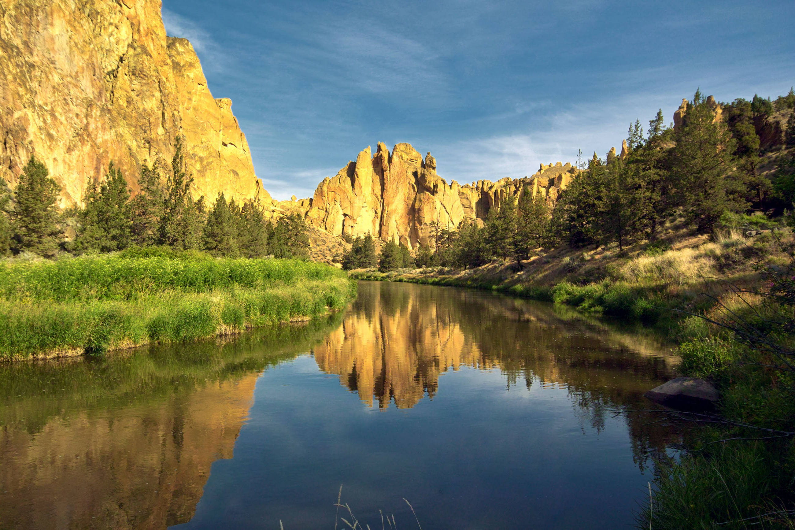 Light Reflection Smith Rock John Day Painted Hills